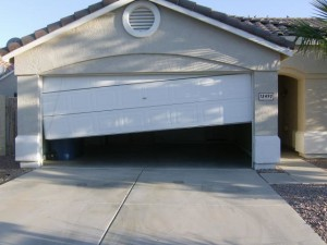 repair-garage-door-off-tracks-sunland-park-nm